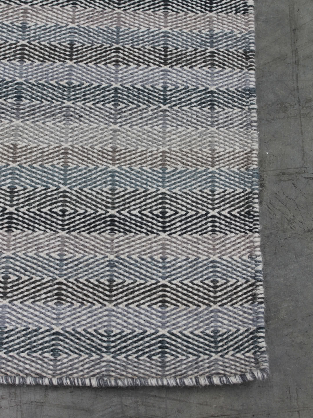 Denim-Sand-Corner pure wool rugs Perth