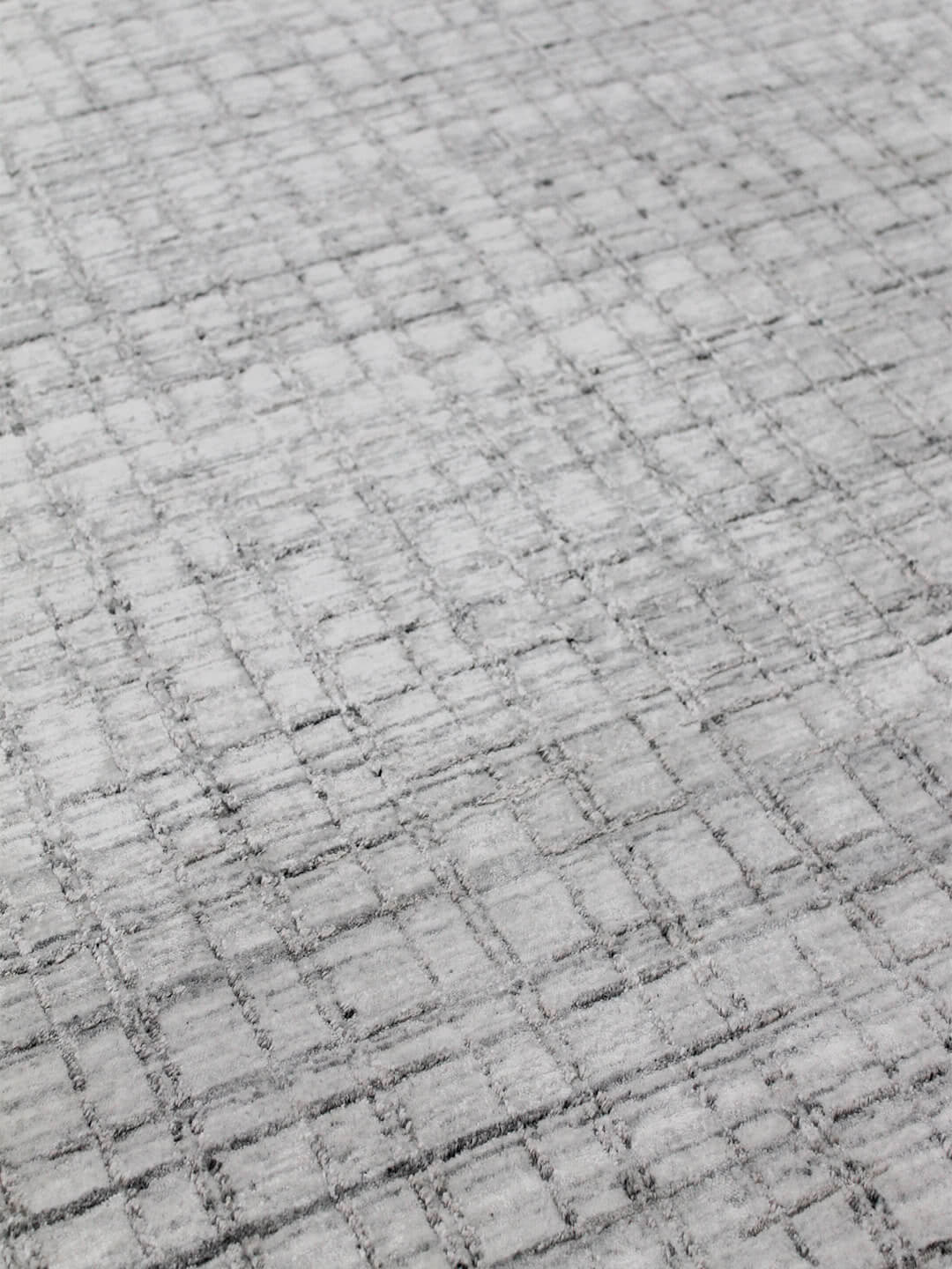 silver-hand woven-wool-art-silk-rugs-stans-perth